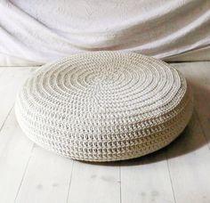 New Crochet Mandala Stool Covers 66 Ideas Crochet Hat Sizing, Crochet Baby Beanie, Baby Afghan Crochet, Bag Pattern Free, Mittens Pattern, Loom Yarn, Granny Square Quilt, Crochet Patterns Free Women, Stool Covers
