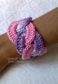 .Maxi bracelete elos - no pattern but would be easy to do