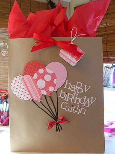 Cool Beans by L.: Balloon Gift Bag - book bags, bucket bag backpack, bags of shopping *ad Paper Gift Bags, Paper Gifts, Creative Gift Wrapping, Creative Gifts, Gift Wrapping Ideas For Birthdays, Craft Gifts, Diy Gifts, Decorated Gift Bags, Birthday Gift Bags
