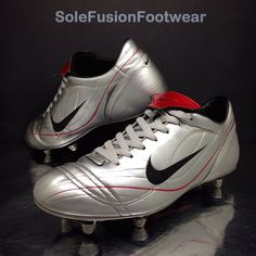 1b4772821 Nike Football Mens Vapor Soccer Boots Silver size 9 Rare SG Pace Cleats US  10 44