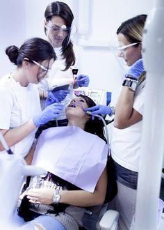 ZAKAJ BI IZBRALI ZOBOZDRAVNIKA NA HRVAŠKEM?      KER nam niti najbolj zapleten protetični postopek, rekonstrukcija zob ali ortodontska anomalija ne predstavljajo težave, temveč izziv. http://www.zobozdravnik-hrvaska-knego.si