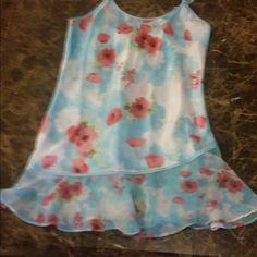 Jones of New York chemise medium Gorgeous little chemise. Light weight, silky, and sexy❤️ Jones New York Intimates & Sleepwear Chemises & Slips