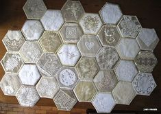 crazy hexies Beequilt de chantal dec Plus Hexagon Quilt, Square Quilt, Crazy Quilt Blocks, Crazy Quilting, Motif Hexagonal, Doilies Crafts, Crazy Patchwork, Linens And Lace, English Paper Piecing