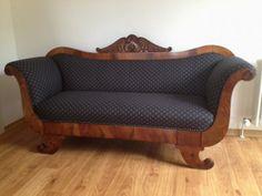 Biedermeier Sofa - restauriertes schönes Einzelstück in Nussbaum