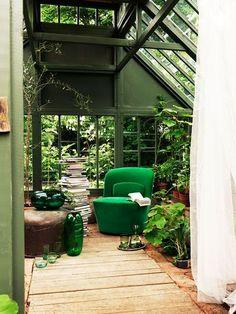 Gewächshaus, grüner Raum. #Leseraum ? grünen Sessel❣ grüne Vasen.