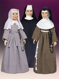 Fille de la Sagesse(left), Sister of the Order of Saint Benedict(middle), the Order of Poor Clare.