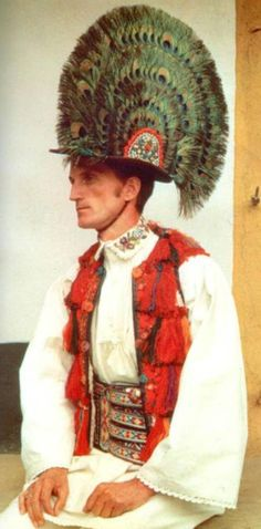 Christine Brown on Romanian Textiles, Part The Lecture Traditional Dresses, Traditional Art, Popular Costumes, John Howe, Textile Museum, Feather Hat, Folk Costume, Old Pictures, Fashion History