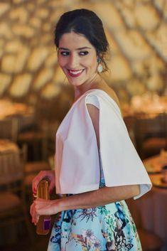 b1827f91b1 Invitada boda tarde noche falda estapada volumen Apparentia