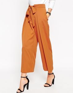 Buy ASOS PETITE Soft Culotte with Tie Waist Detail at ASOS. With free delivery and return options (Ts&Cs apply), online shopping has never been so easy. Get the latest trends with ASOS now. Work Fashion, Fashion Pants, Trendy Fashion, Fashion Outfits, Trouser Pants, Trousers Women, Pants For Women, Slacks, Work Wardrobe