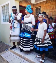 Xhosa Wedding Attires it is important for women to look dignified at all times particularly if there is a cultural ritual.Women must have a chic look. Xhosa Attire, African Attire, South African Traditional Dresses, Traditional Outfits, African Print Dresses, African Prints, Africa Fashion, Wedding Attire, Refashion