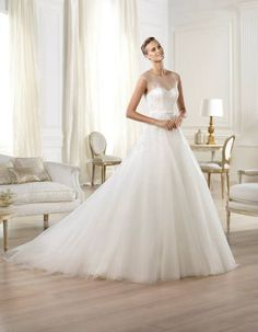 Pronovias 2018 / The wisdom and skill of expert seamstresses transform fine fabrics into haute couture designs. These wedding dresses are pure magic. Pronovias has designed a collection to enchant not only romantic, classic brides, but also modern. Pronovias Wedding Dress, Wedding Dress Organza, Applique Wedding Dress, Tulle Wedding, Tulle Lace, Ruffle Beading, Gown Wedding, Organza Bridal, Tulle Dress