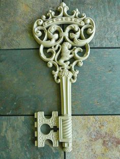 Vintage keys for Sesame to open the door   <3   http://www.facebook.com/MormorsStuer