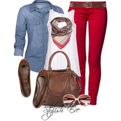Red pants perfect for holidays with denim top Fall Winter Outfits, Autumn Winter Fashion, Fall Fashion, Fashion Ideas, Outfit Pantalon Rojo, Red Pants Outfit, Pink Pants, Colored Pants, Colored Denim