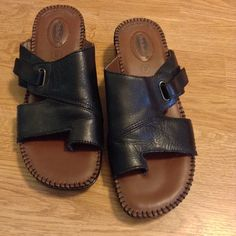 Dr Scholls Tamara style sandals NWOB. leather uppers. Double air pillo insoles  Dr Scholls Shoes Sandals