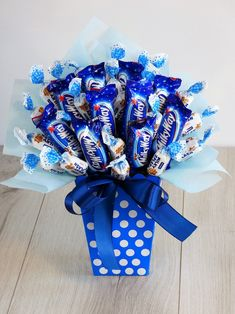 Sweet Bouquet - The Perfect Gift # for kids .- Słodki Bukiet – Idealny Prezent Sweet Bouquet – The Perfect Gift him - Valentines Day Baskets, Valentines Diy, Valentine Day Gifts, Birthday Candy, Diy Birthday, Birthday Gifts, Candy Bouquet Diy, Diy Bouquet, Presents For Kids