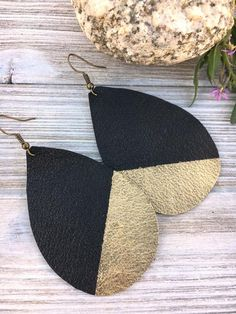 Tear Drop Shape Leather Dipped in Gold Best Jewelry Gift Etsy Diy Leather Earrings, Diy Earrings, Teardrop Earrings, Leather Jewelry, Leather Craft, Earrings Handmade, Handmade Jewelry, Gold Earrings, Fabric Jewelry