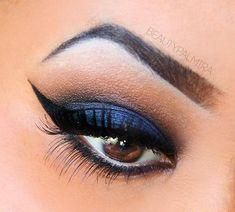 Dramatic winged blue Smokey Eye #eye #makeup #eyes #eyeshadow #smokey