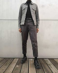 Outfits Hombre, Boy Outfits, Fashion Outfits, Grey Pants Outfit, Europe Fashion, Modern Outfits, Stylish Men, Aesthetic Clothes, Men Dress