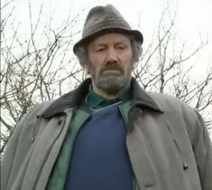Clive Russell portraying Big Innes in Still Game Clive Russell, Still Game, Raincoat, Big, Fashion, Rain Jacket, Moda, Fashion Styles