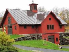 How to construct a simple pole barn garage is easier than building any other type of a garage. It utilizes basic building techniques to makes it sturdy. Barn House Plans, Barn Plans, Pole Barn Kits, Bank Barn, Barn Garage, Barn Living, Barns Sheds, Pole Barn Homes, Horse Barns