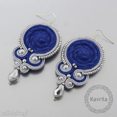 soutache - earrings  mishtiart.blogspot.com - follow me! :) Soutache Pendant, Soutache Earrings, Blue Earrings, Beaded Earrings, Earrings Handmade, Jewelry Design Earrings, Bead Jewellery, Beaded Jewelry, Macrame Earrings Tutorial