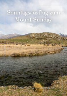Wie passend, dass wir genau an einem Sonntag den Mount Sunday besuchten. Eigentlich war das aber einfach nur Zufall. Der Mt. Sunday ist wieder ein Drehort der Herr der Ringe Filme und liegt zwar ein bisschen abgeschieden, doch der Ausflug zahlte sich auf alle Fälle aus. New Zealand, Sunday, Adventure, Mountains, Nature, Travel, Movie, Places, Landscape