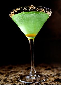 The Perfect Fall Cocktail: Spiced Caramel Apple Martini
