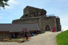 Ein Blick zurück auf die Burg Building, Travel, Traveling, Viajes, Buildings, Trips, Tourism, Architectural Engineering, Tower