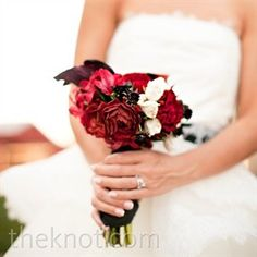 06102012 – Red and White Bouquet