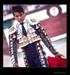 Fotografía del torero José María Manzanares en la corrida de Beneficencia Madrid 2012. Foto Joserra