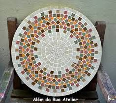 Have a fairly new obsession with mosaic tables.looking for a beautiful pair to use as night stands in the new apt! Mosaic Tile Art, Mosaic Diy, Mosaic Crafts, Mosaic Projects, Stone Mosaic, Mosaic Glass, Glass Art, Mosaic Designs, Mosaic Patterns