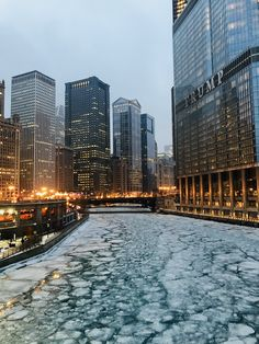 Frozen Chicago River from Michigan Avenue Bridge, Chicago - Robert Johnson, Chicago River, Present Day, Winter Snow, New York Skyline, Skyscraper, Michigan, Photo Ideas, Bridge