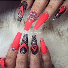 Coral nail art design | coral nails | 1,253 отметок «Нравится», 7 комментариев — @nail_barbies в Instagram: «It's coral baby  by @helennails_yeg elennails_yeg #nailarts #nailart #NailTech #cutenails…»
