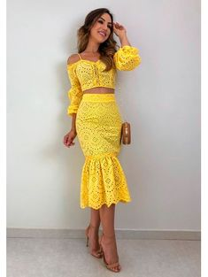 Conjunto-Laise-Yellow Elegant Dresses, Casual Dresses, Summer Dresses, Look Fashion, Fashion Outfits, Designer Party Dresses, Floral Pants, African Fashion Dresses, Classy Outfits