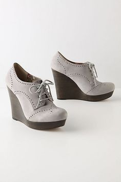 Shop Women's Seychelles Gray size 8 Wedges at a discounted price at Poshmark. Description: In great condition, well made shoe by Seychelles. Fall Wedges, Grey Wedges, Oxford Wedges, Oxford Heels, Crazy Shoes, Me Too Shoes, Big Shoes, Seychelles Shoes, Vintage Wardrobe