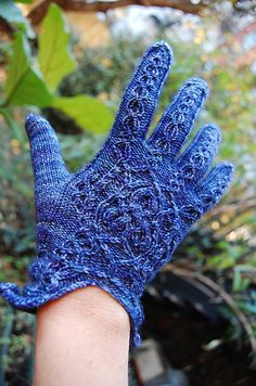 Ravelry: aiutrenes guantes del reino #knit #free_pattern