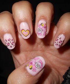 kylie jenners alien nail art btt style kyliejenner btt style pinterest nail art kylie jenner and aliens