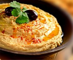 I'm almost absolutely sure that you already know hummus and you ate it at some point. It's well known beside Turkey and also sold in stores and restaurants. Just go into your kitchen and make this easy hummus recipe in almost 20 minutes. Turkish Hummus Recipe, Best Hummus Recipe, Turkish Recipes, Ethnic Recipes, Vegan Snacks, Healthy Snacks, Healthy Breakfasts, Happy Vegan, Dips