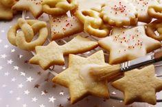 Mmmmmmmh lecker! Plätzchen gehören zu Weihnachten einfach dazu!    Doch in den kleinen Leckereien stecken meist ganz schön viele Kalorien ... Wir verraten, welche Plätzchen-Sorten in unserem Kalorien-Ranking ganz weit oben auf dem Treppchen stehen. Ist eure Lieblingssorte dabei? ;-)