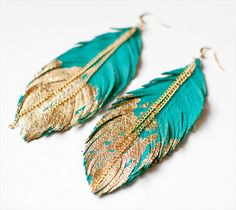 Leather Feather Earrings- 25 DIY Feather Jewelry Design | DIY to Make