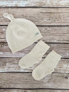 dce640653fc16 Our finest baby cashmere hat and socks set to keep baby warm and cozy while  maintaining healthy body temperature. Fits with every outfit.