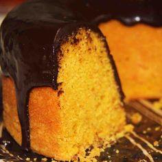 Linha Cafeteria!! Bolo de Cenoura com Chocolate: Bolo de cenoura com calda de chocolate meio amargo.  #love #DiNorma#instagood#photooftheday