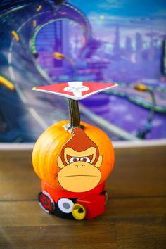 Mario Kart Costumes, Halloween Crafts, Halloween Costumes, Halloween Traditions, Pumpkin Costume, Donkey Kong, Gourds, Pumpkin Carving, Miniatures