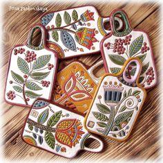 #керамическаяпосуда #сервировочныедоски #ручнаялепка #росписьпаньковская #мастерскаяпаньковская #керамика#ceramics #pottery #glazes #clay #illustration #illustrator