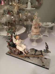 Antique Christmas Ornaments, Old Christmas, Old Fashioned Christmas, Victorian Christmas, Retro Christmas, Vintage Holiday, Christmas Angels, Christmas Decorations To Make, Victorian Valentines