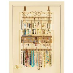 Hold more than 300 pieces of jewelry on the back of your door with the Longstem Overdoor Jewelry Organizer. Everything is easily accessible and neatly displayed, making for a fantastic and organized way to keep your jewelry stored.