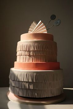 6 wedding cakes that are almost too gorgeous to eat!