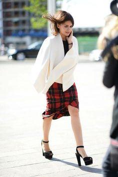 Street Chic London Fashion Week Spring 2014- London Fashion Week Street Style Photos - Elle Miroslava Duma