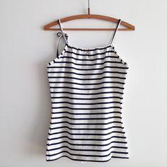 Zo voor de zomer wilde ik nog wat hemdjes voor mezelf maken.  Luchtige hemdjes, voor als het warm weer is. En makkelijke hemdjes, die le...