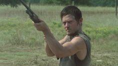 Daryl shootin zombies  [ The Walking Dead ]